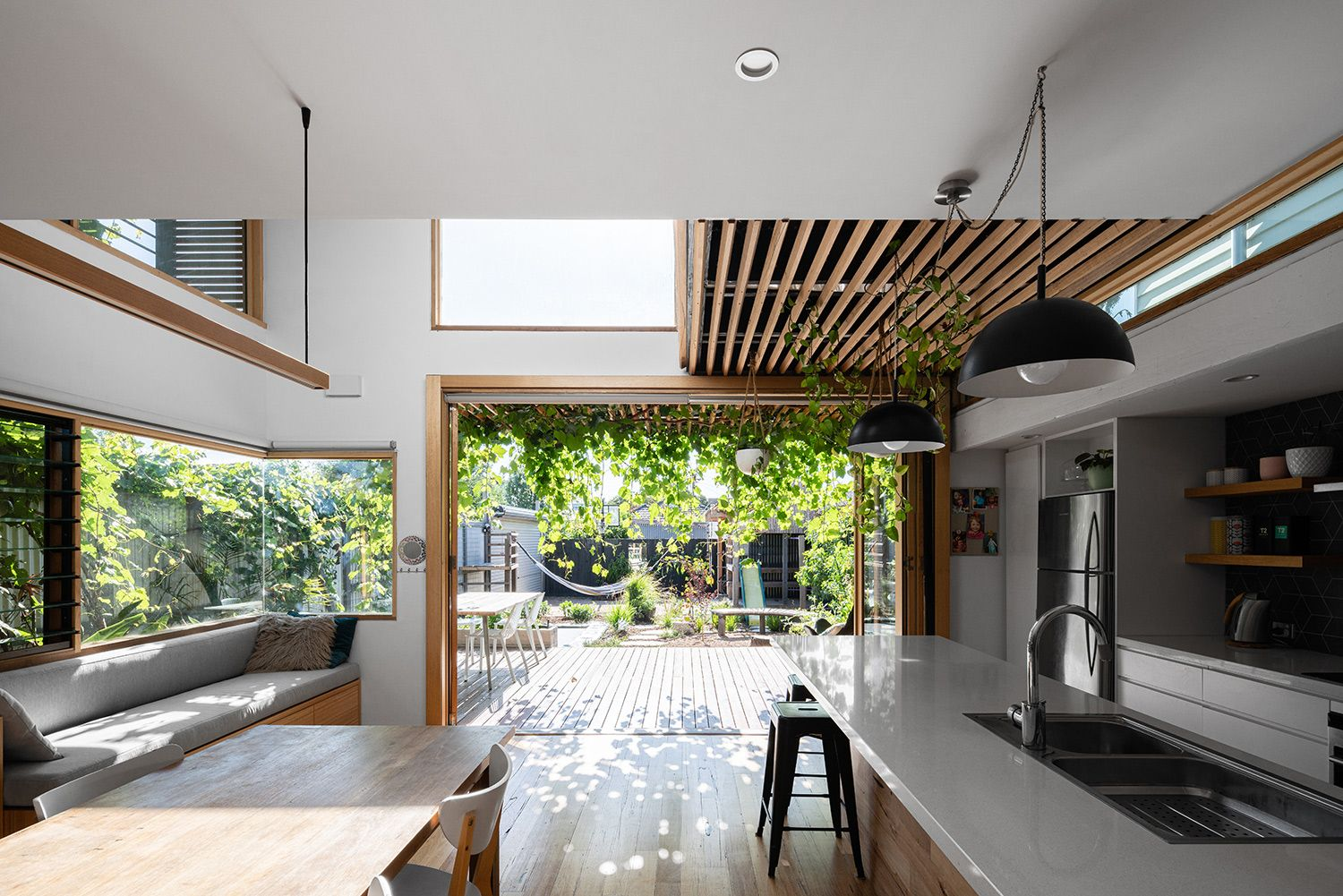 https://www.bencallery.com.au/wp-content/uploads/2015/05/42_-Callery-House-Ben-Callery-Architects-high-res-06.jpg