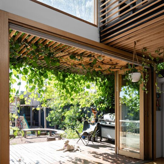 https://www.bencallery.com.au/wp-content/uploads/2015/05/42_-Callery-House-Ben-Callery-Architects-high-res-07-540x540.jpg